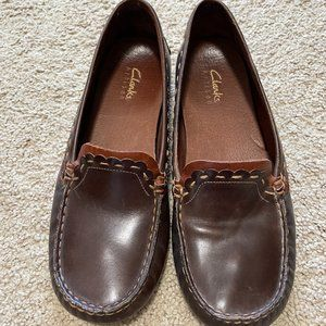 CLARKS Artisan Brown Leather Loafers Size 7M